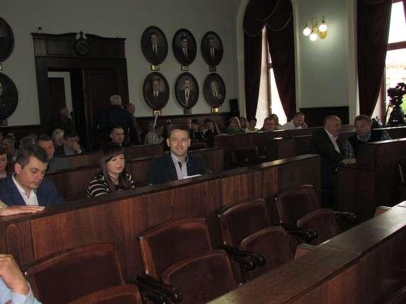 Чернівецькі депутати вимагають очищення влади від колишніх регіоналів