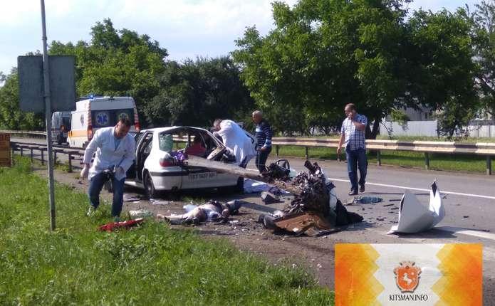 Жахлива ДТП наБуковині: троє загиблих і двоє поранених