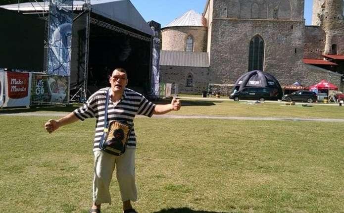 Насцені фестивалю вЕстонії помер український виконавець Іван Денисенко
