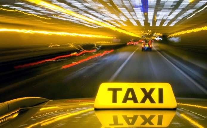 Водитель такси выгодно ли