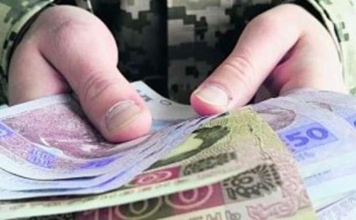Підвищені пенсії військовим обіцяють вже уберезні