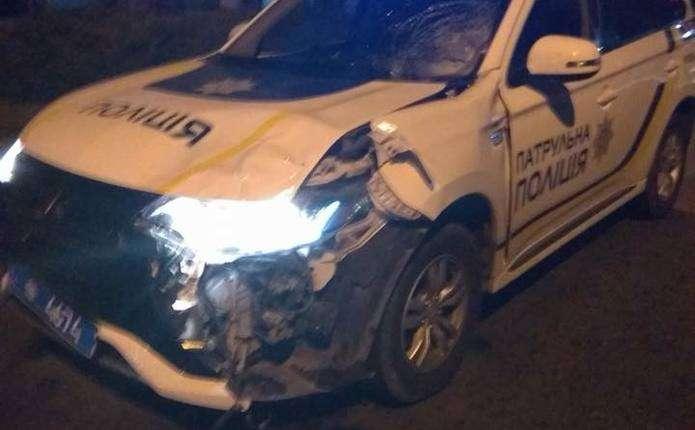 """Результат пошуку зображень за запитом """"У Чернівцях автомобіль патрульної поліції збив пішохода"""""""