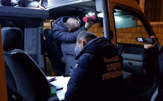 """Результат пошуку зображень за запитом """"Працівник турфірми на Буковині за гроші обіцяв посприяти в отриманні румунського паспорта"""""""