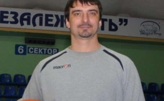 Володимир Холопов: У нас не шанують людей, які віддали життя спорту