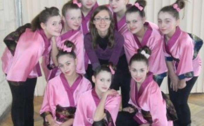 Танцювальний колектив Діксі з Новоселиці вражає глядачів сюжетами своїх  постановок 88714f4979ce6