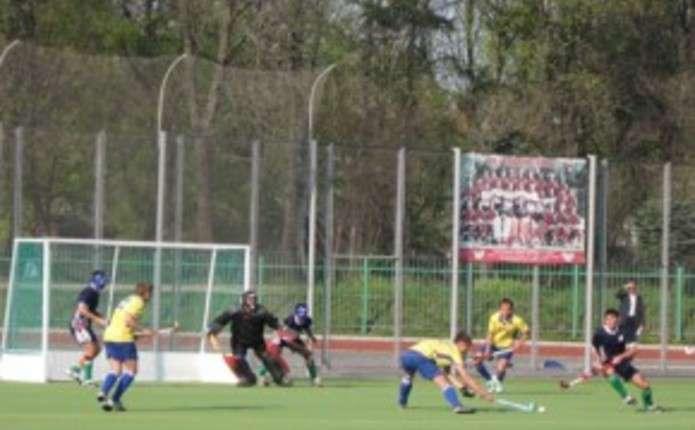 Буковинці змагалися на юнацьких іграх України з хокею на траві