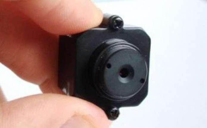 фото прихованої камери в душевой