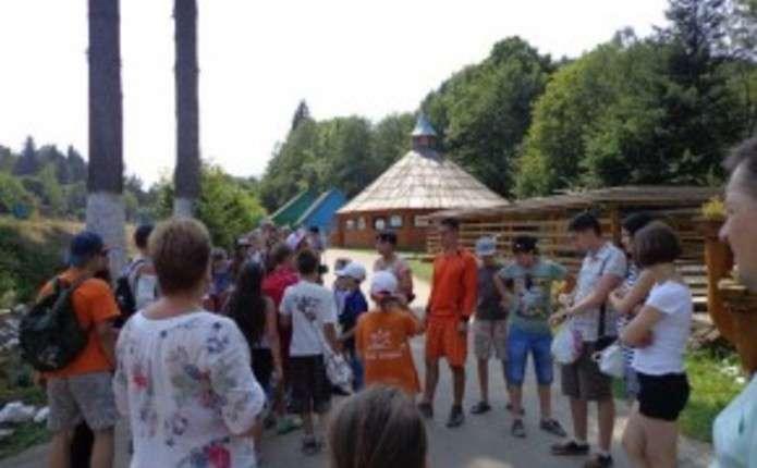 Понад 50 дітей з Краматорська та Луганська відпочивають у Чернівцях