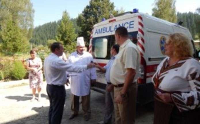Путильщина отримала новий автомобіль швидкої допомоги