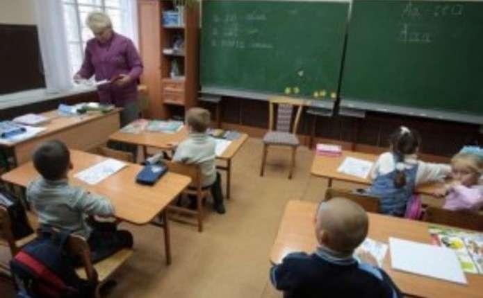 У селі на Сторожинеччині переповнені школи потребують розширення
