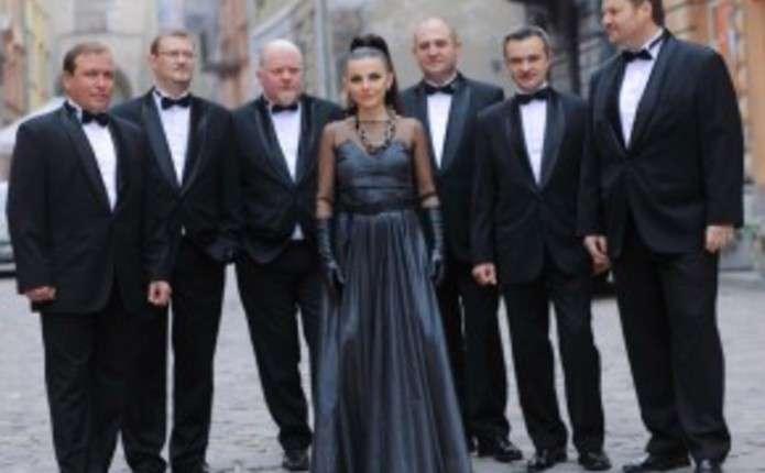 Піккардійці з Мухою презентували дуетну версію пісні Володимира Івасюка Над морем