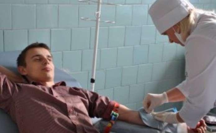 Студенти-донори у Чернівцях за день здали 11 літрів крові