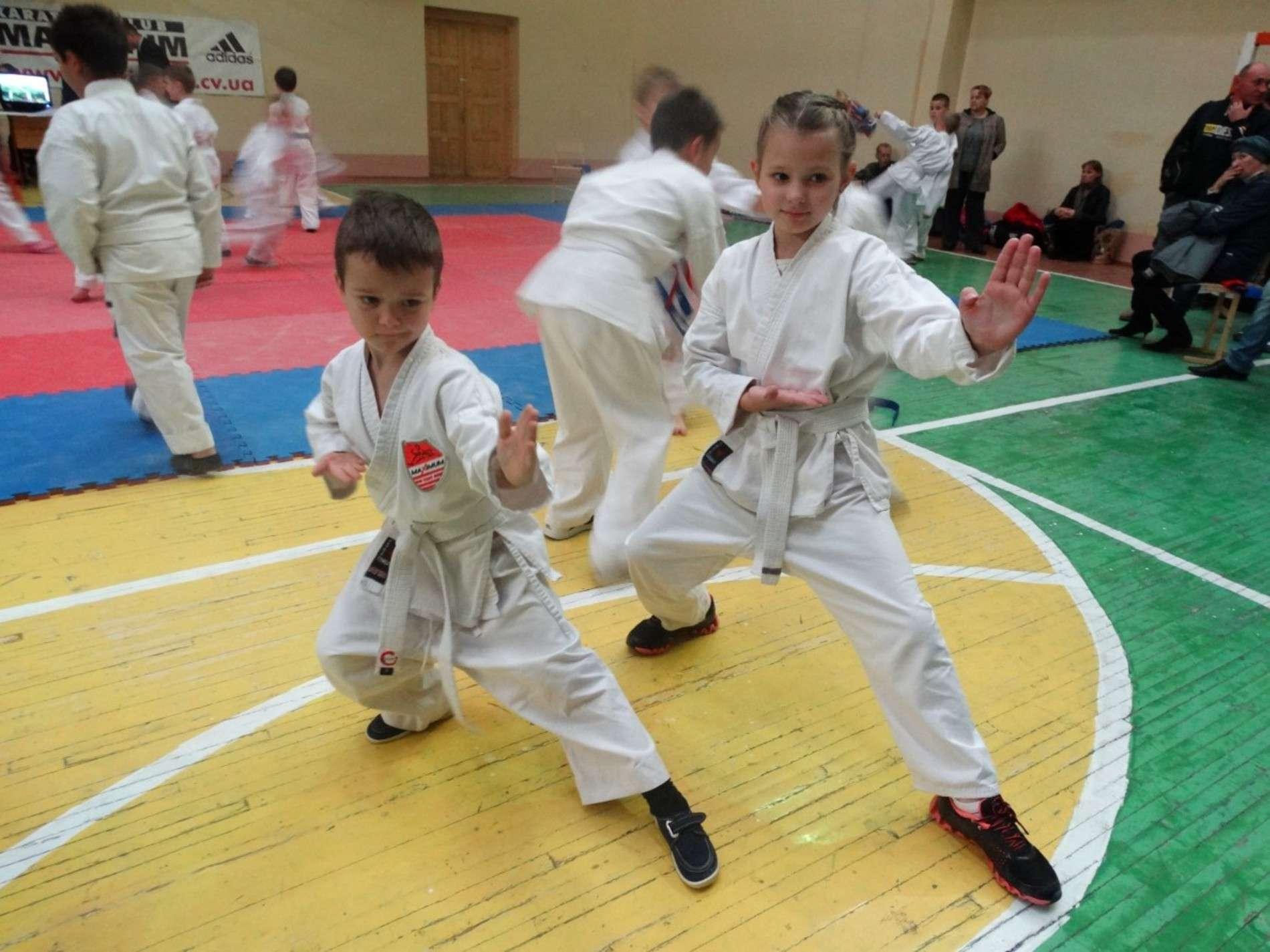 Чернівецьких каратистів відбирали на чемпіонат області
