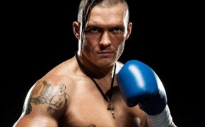 Усик нокаутував Брюера в першому титульному бою в кар'єрі