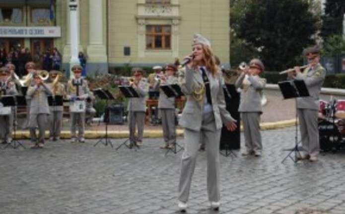 На Соборній площі Чернівців 5 жовтня виступить військовий оркестр