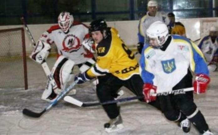 Чернівецькі хокеїсти готуються до нового сезону 2014-2015