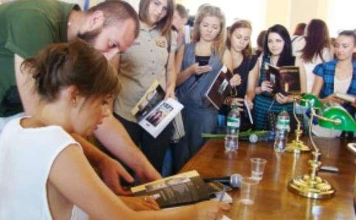 Ірена Карпа у Чернівцях розповіла про нову книгу і про те, чого їй найбільше хочеться