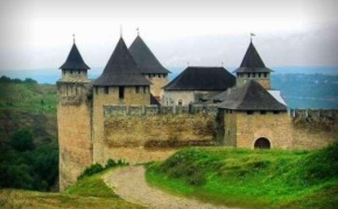 Працівники Хотинської фортеці кажуть, що там водяться привиди
