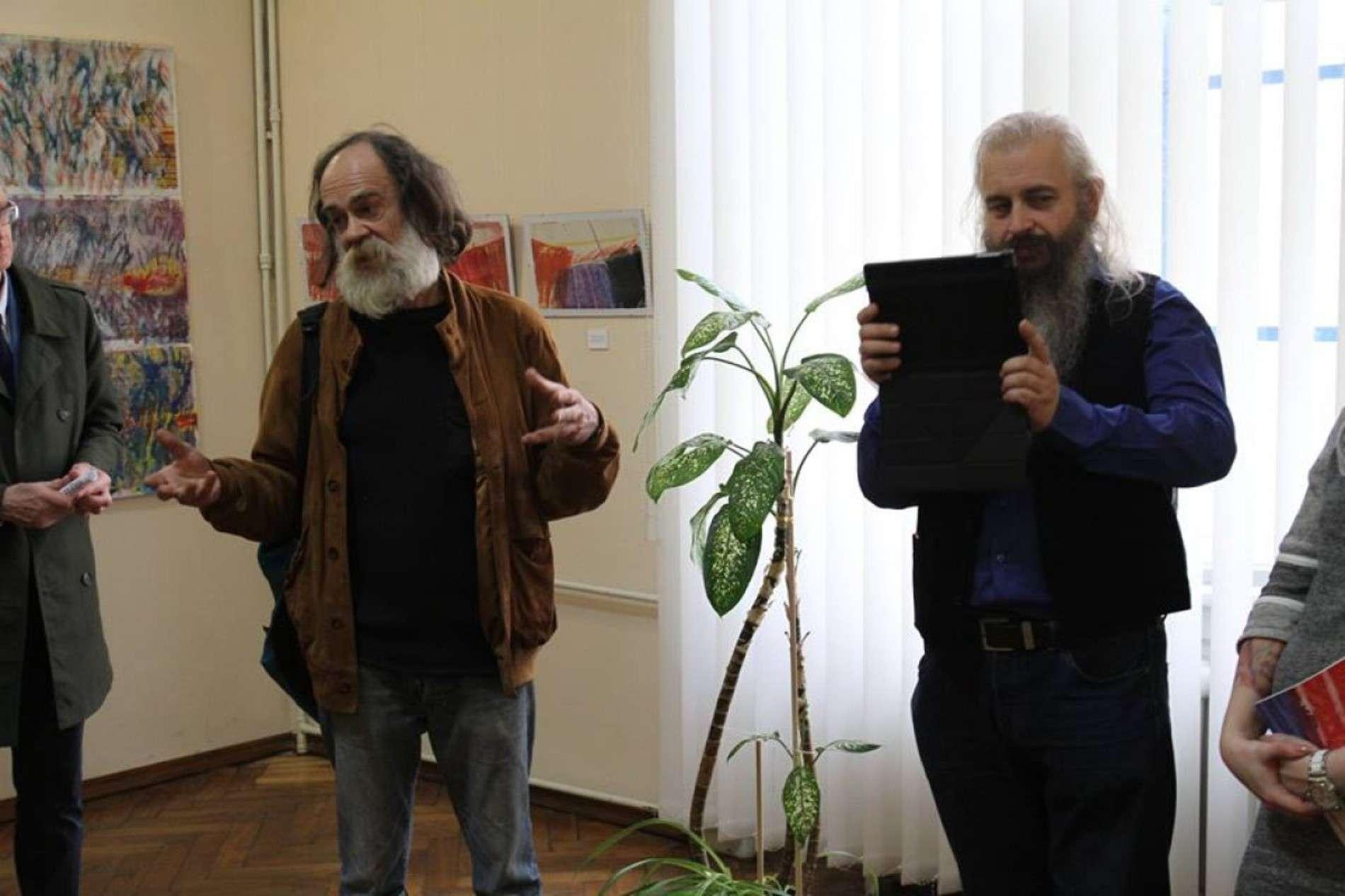 Кінопродюсер та художник Володимир Філіппов презентував виставку у Чернівцях
