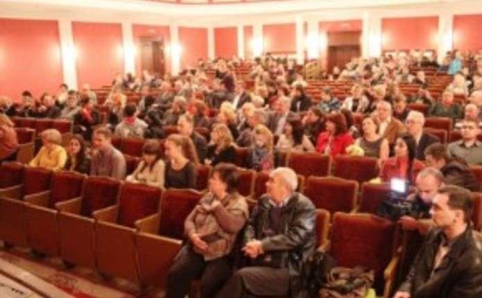 На сцені Чернівецької філармонії понад 100 виконавців виконають Реквієм Моцарта