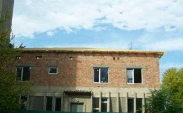 Райони скинулись на дах для перинатального центру у Чернівцях