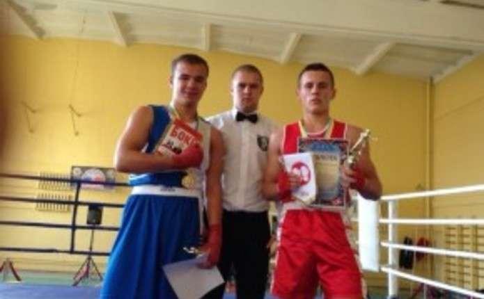 Чернівецькі боксери здобули нагороди у Рівному