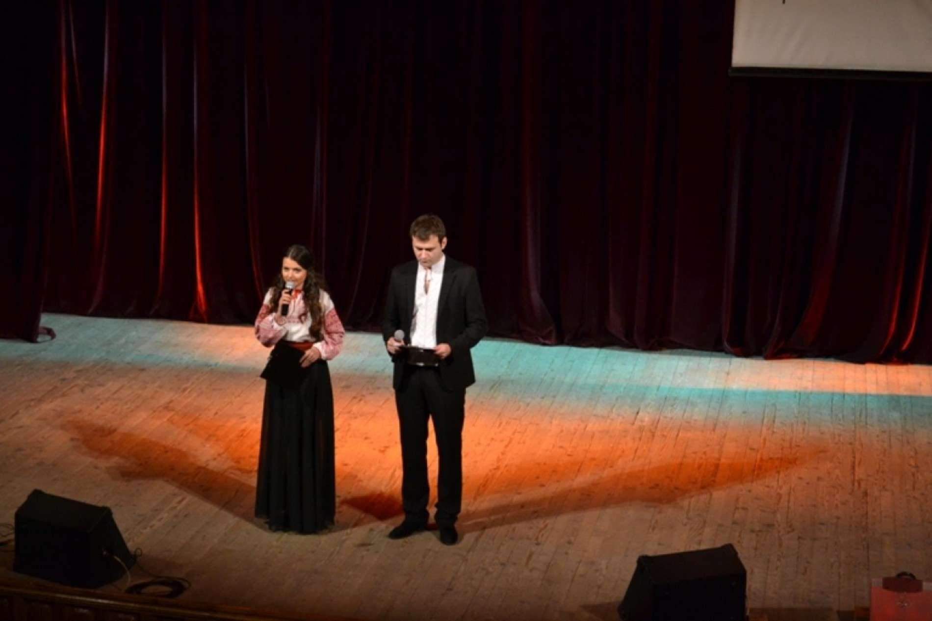 На благодійному концерті у Чернівцях зібрали 11 500 гривень для армії