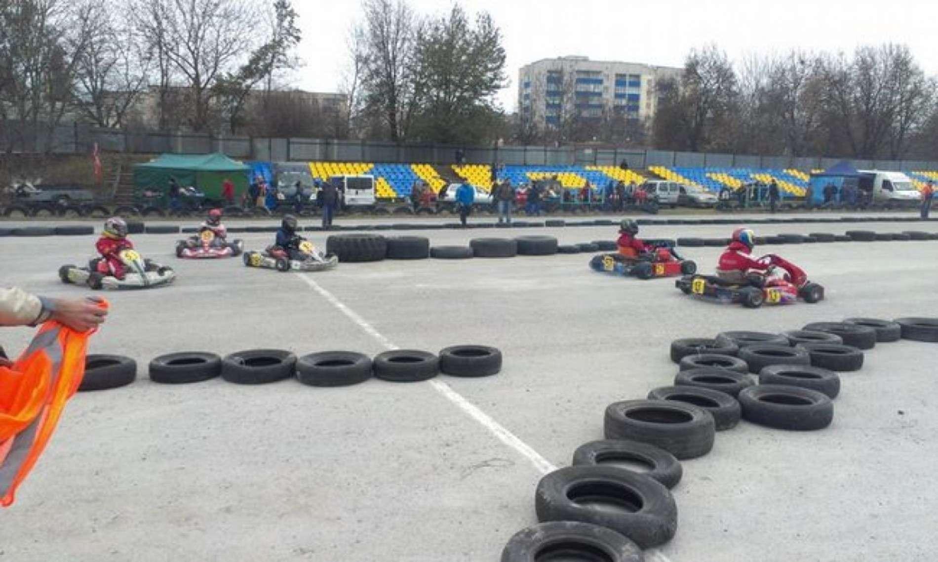 Буковинці взяли участь у змаганнях з картингу в Кам'янці-Подільському