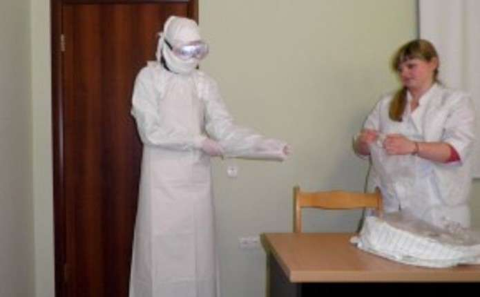 У Чернівцях в ендокринологічному центрі вчилися протидіяти лихоманці Ебола