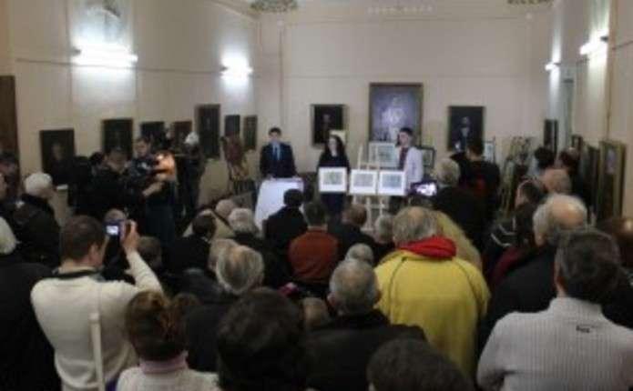 На благодійному аукціоні у Чернівцях зібрали 29 тис. грн. для військових
