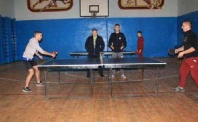 У Чернівецькому училищі радіоелектроніки провели першість з настільного тенісу