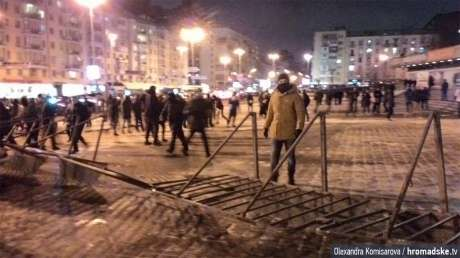 Близько 100 молодиків намагалися зірвати концерт Ані Лорак у Києві