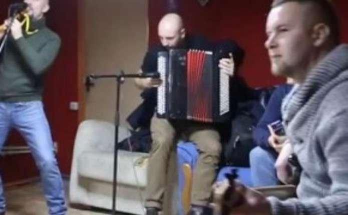 Гурт Гайдамаки записав пісню Укроп на слова чернівецького військового