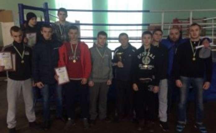 Чернівецькі кікбоксери здобули Кубок Волині