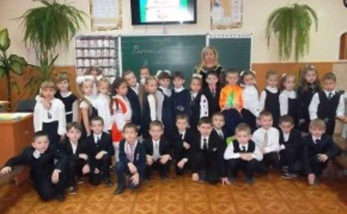 Театралізоване дійство до Дня Миколая провели для чернівецьких школярів