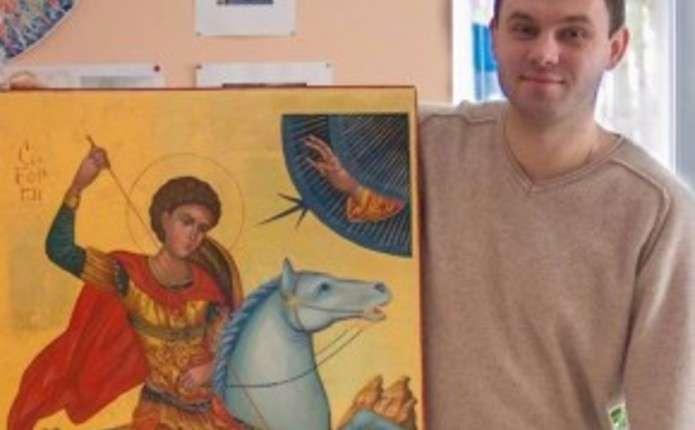 Митець, який розписував храми у Донецьку та Москві, покаже свої роботи чернівчанам