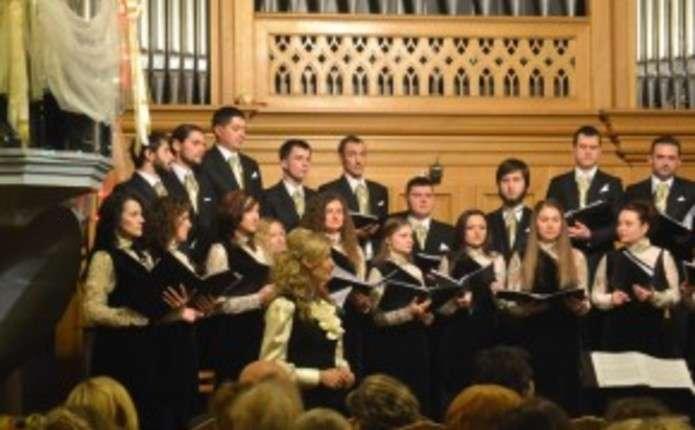 Камерний хор Чернівці підготував буковинцям Різдвяний подарунок
