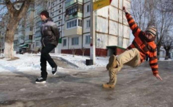 За перші дні нового року на вулицях Чернівців травмувалися 46 людей