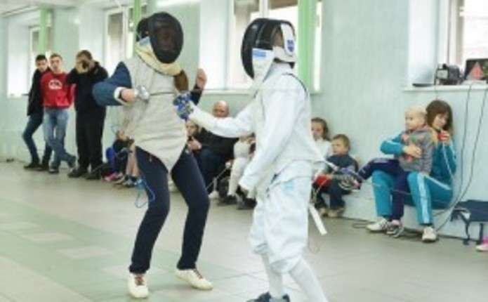 Перші після великої перерви змагання з фехтування відбулися у Чернівцях