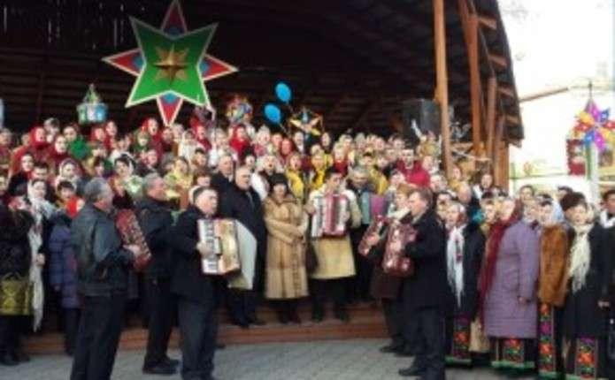 Буковинців запрошують на найбільшу коляду в найменшому місті