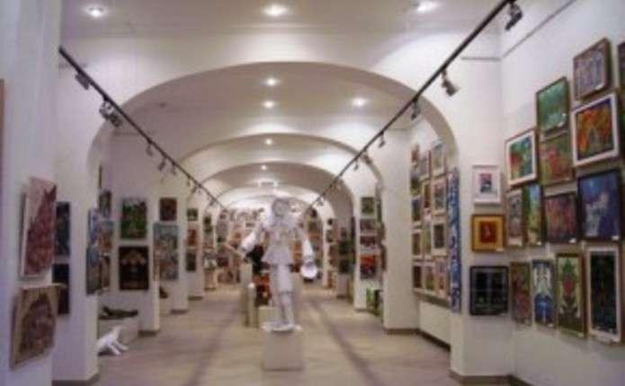 Чернівчанам покажуть виставку дитячої творчості та проект Театру моди
