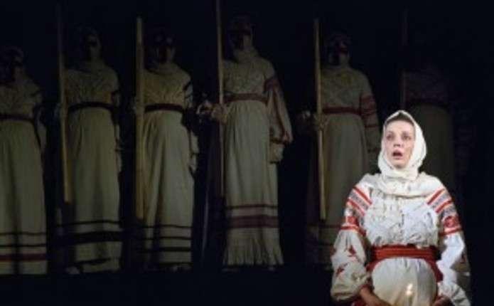 Марія Матіос разом з Івано-Франківським театром повезе на Луганщину Націю