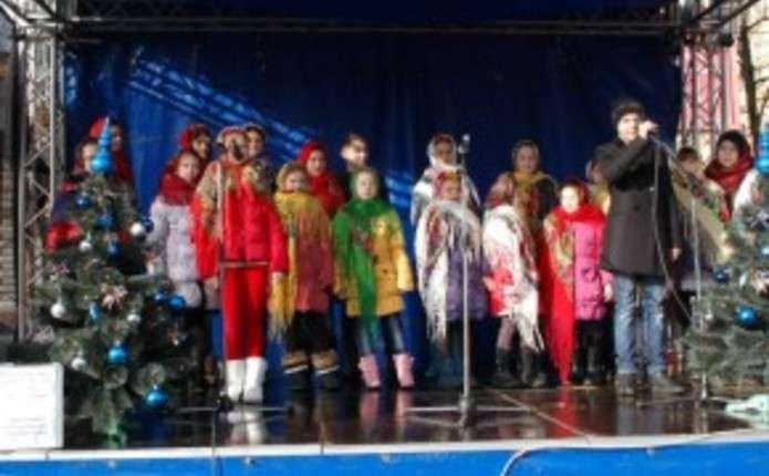 У Чернівцях на благодійному концерті колядників зібрали близько 2 тис. грн.