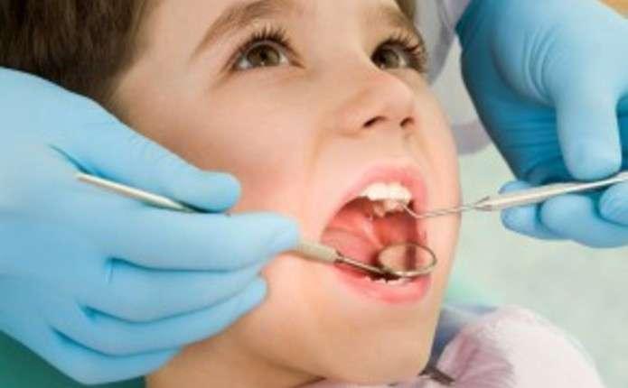 У Чернівцях безкоштовно лікуватимуть зуби