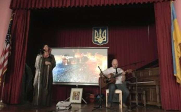 Екс-чернівчанка влаштувала концерт у Сан-Франциско на підтримку України