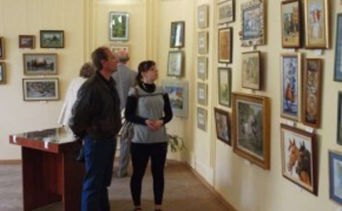 Чернівчанам презентують виставку майстра витинанки Дмитра Власійчука
