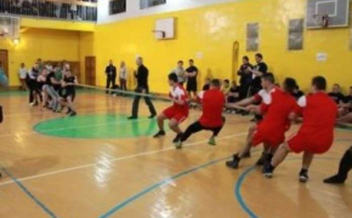 Студенти у Чернівцях провели Козацькі забави
