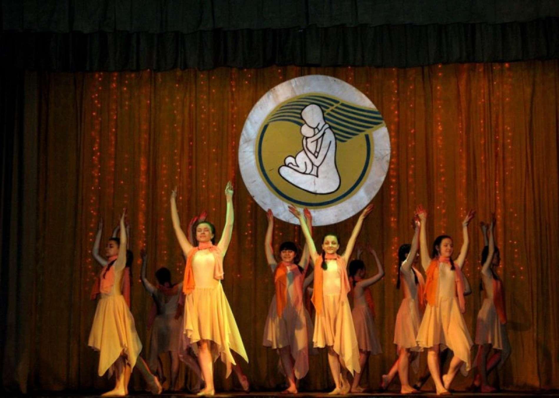 Святковий концерт, присвячений матерям, провели у Чернівцях