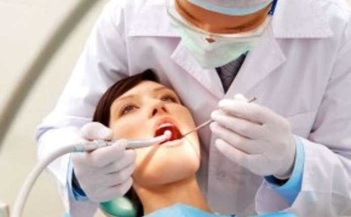 Стоматологи обласної поліклініки безкоштовно консультуватимуть чернівчан