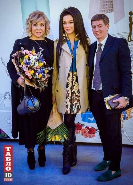 Марія Яремчук з начосом сходила на Тиждень української моди